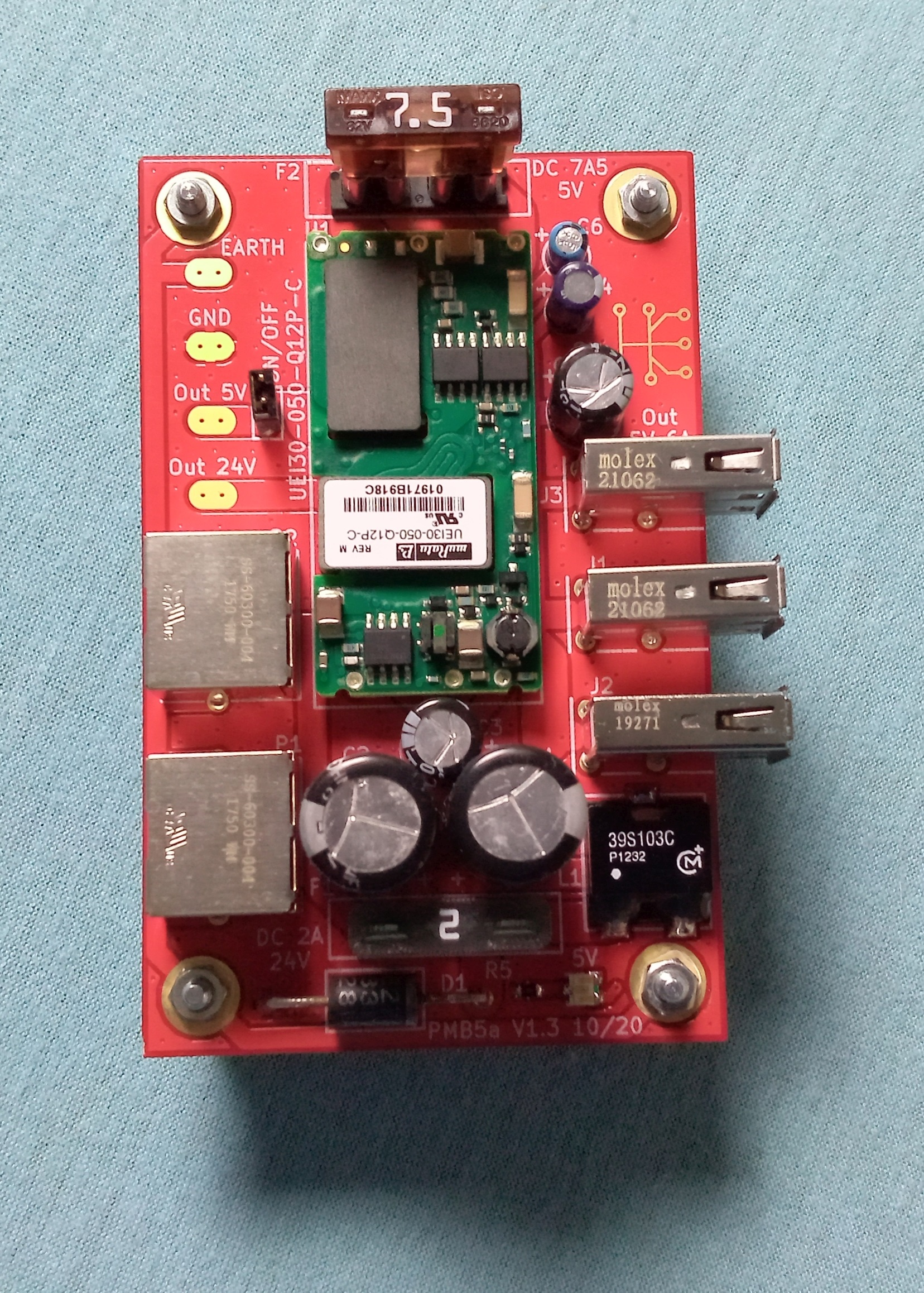 3x USB with total 5V 6A 30W output on the Fixmebus