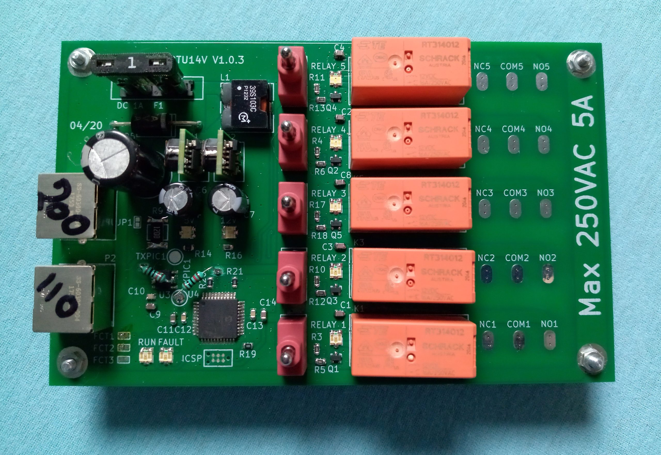 5 channels relays driven and powered by the Fixmebus
